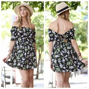 Off Shoulders Dress Black color , Floral Print (L)